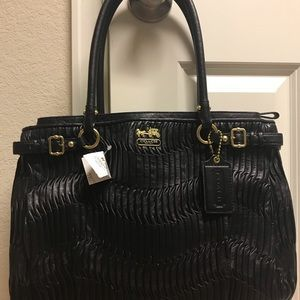 Bags - NWT Coach Madison gathered leather black tote